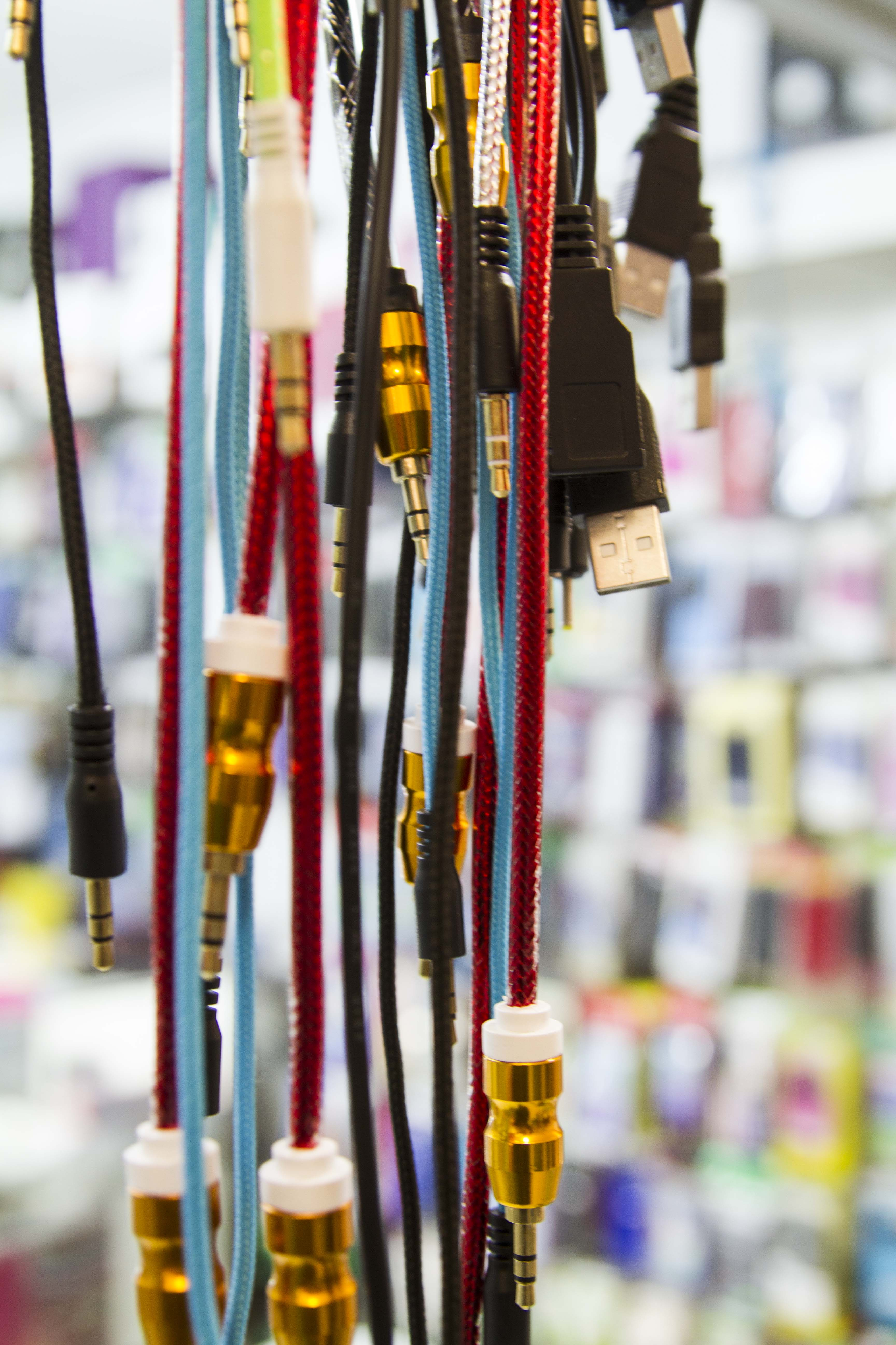 Montana Family Market_Jazz Cellular_multicolored auxiliary cables