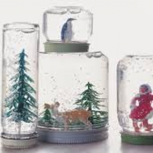 Montana Family Market_Make your own snowglobe