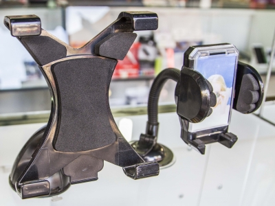 Montana Family Market_Cellular Expert_suction cup, expandable phone holder