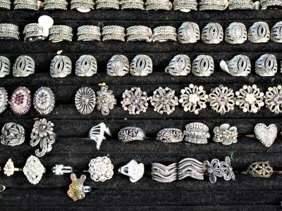 Montana Family Market_Muzna Traders_large rings